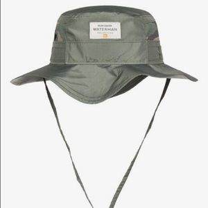 NWT Men's Quiksilver Bush man hat camo S/M